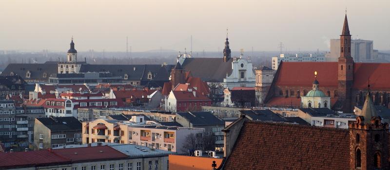 Panorama Wrocławia i brakujące hełmy