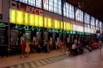 """Neon """"Kasy biletowe"""" na Dworcu Głównym"""